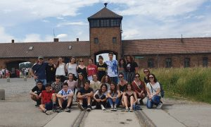 Auschwitzera egindako bidaia hezitzailearen argazkiak. Fotos del viaje educativo realizado a Auschwitz - Euskadiko Gazteriaren Kontseilua (EGK)