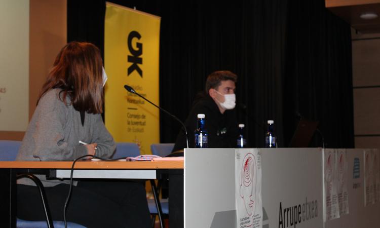 Substantziarik gabeko adikzioen topaketako argazkiak. Fotos de la jornada de las adicciones sin sustancia - Euskadiko Gazteriaren Kontseilua (EGK)